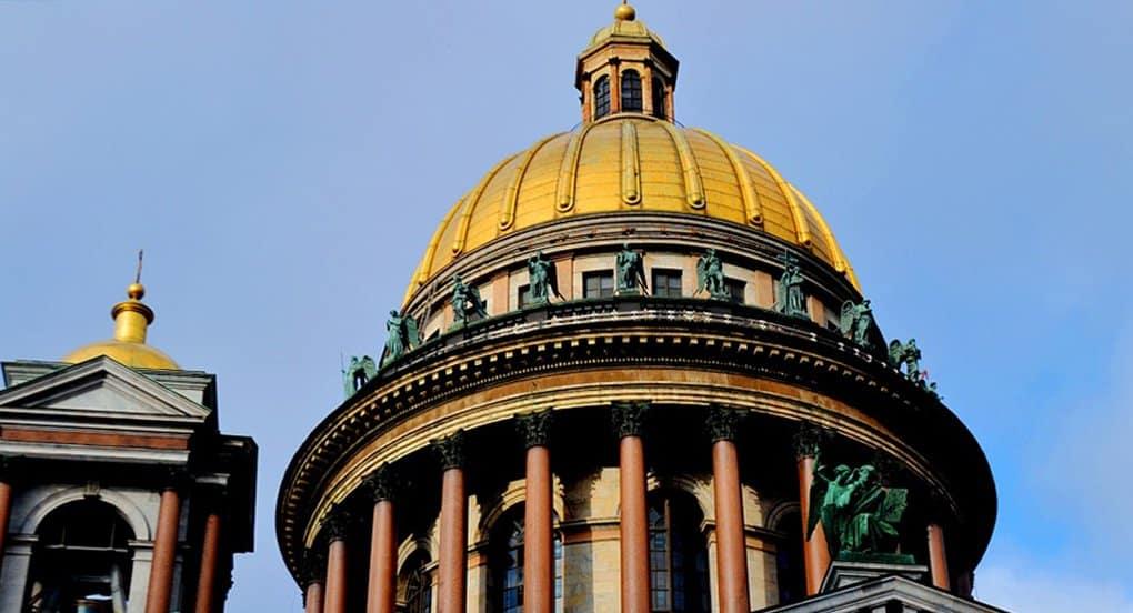 Большой колокол Исаакия ударил 13 раз в память о жертвах теракта