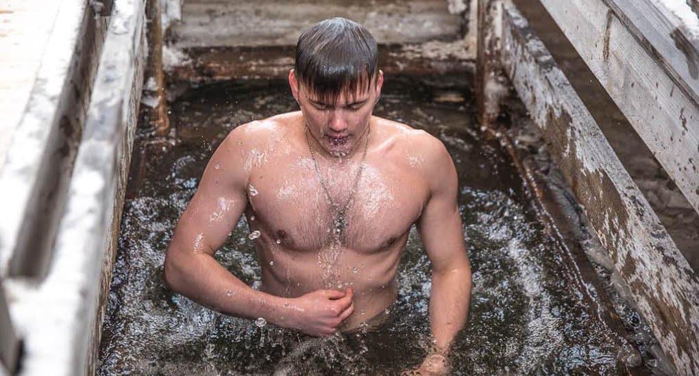 В МЧС напомнили правила безопасных крещенских купаний