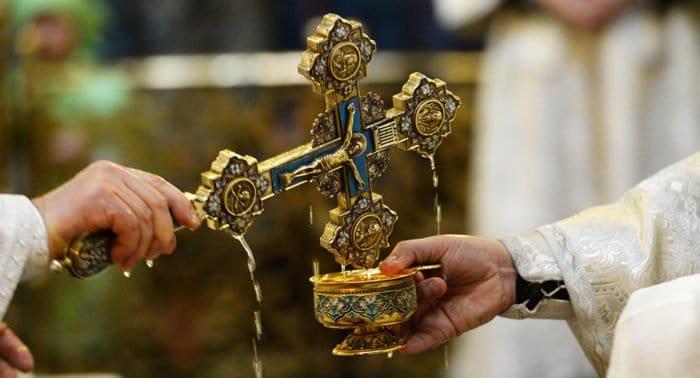 Через воду на Крещение Бог освящает и самого человека, - патриарх Кирилл