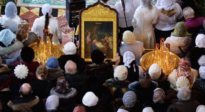 Более 600 тысяч человек посетили Рождественскую службу в храмах Москвы