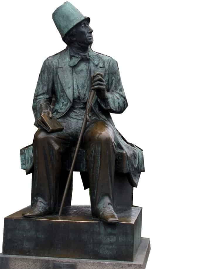 Памятник Хансу Кристиану Андерсену. Фото jellybeanz/www.flickr.com