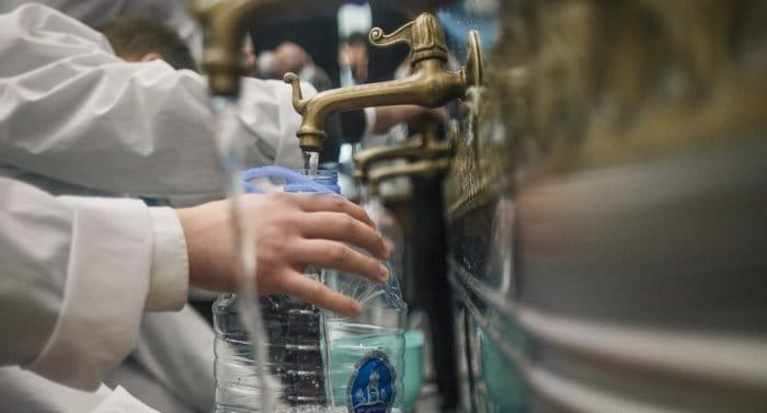 Что можно делать со святой водой?