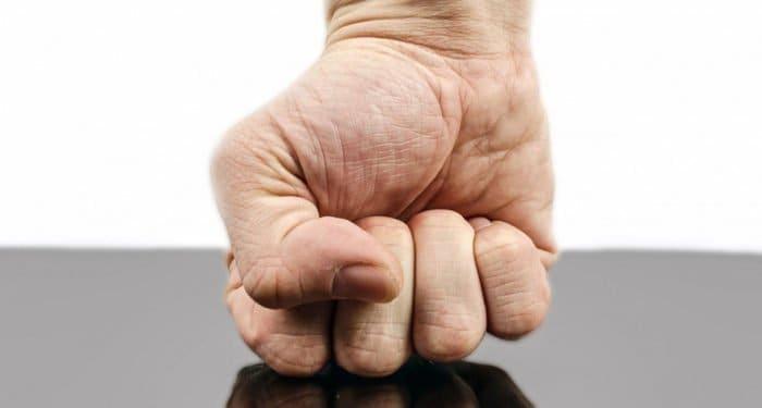 Гнев – оружие против дьявола и греха, - писатель Александр Ткаченко