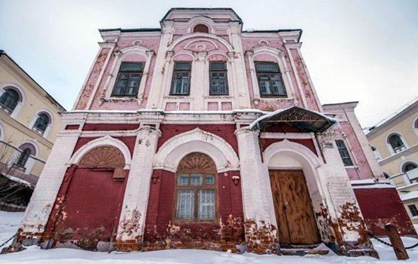 Власти Татарстана передали РПЦ строение Николо-Гостинодворской церкви