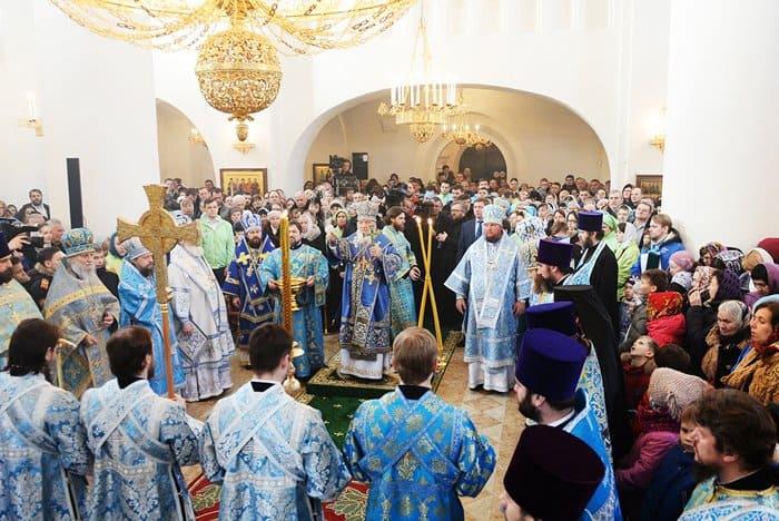 Патриарх Кирилл освятил храм в Раеве, построенный в традициях XVI века