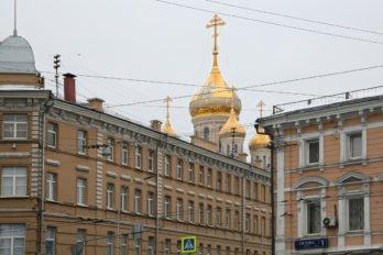 Сретенский монастырь. Недавно построенный храм Новомучеников Российских на Лубянке. Фото Владимира Ештокина