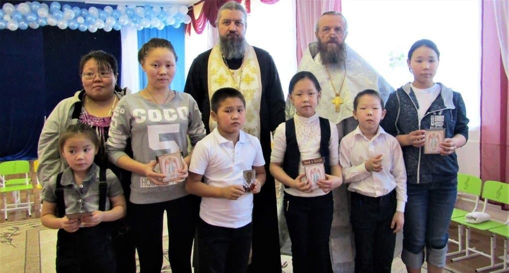 В самом северном поселке Эвенкии крестили более 100 человек