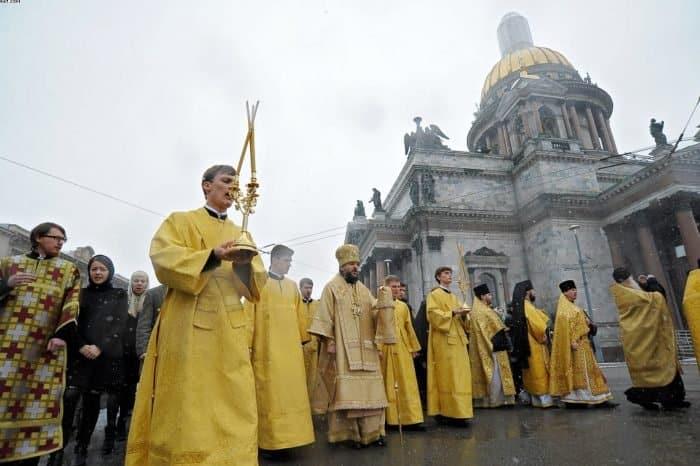 Крестный ход у Исаакиевского собора: как это было - фото 5