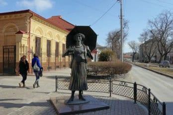 Памятник Фаине Раневской. Фото: Alexxx Malev8