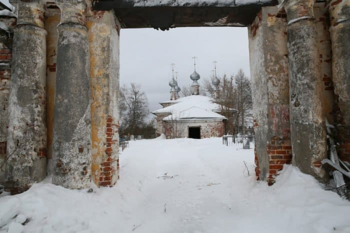 8 храмов на два села
