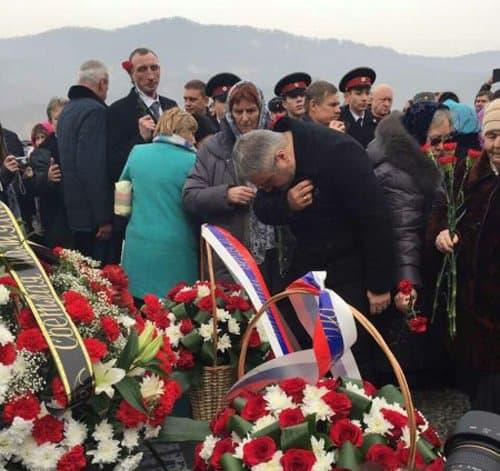 10-тонный крест в память о погибших десантниках установили в Чечне