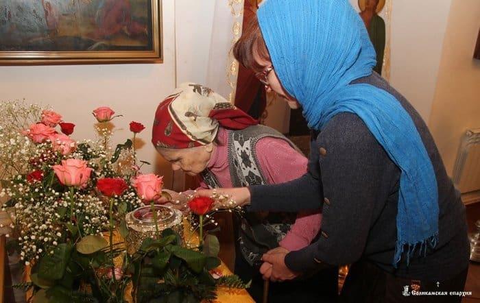 Соликамску подарили фрагмент шипа тернового венца Христа и часть Его туники