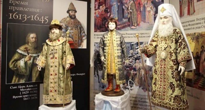 О русских монархах расскажут на уникальной выставке фарфоровых кукол