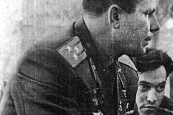 СЮрием Гагариным, первым человеком вкосмосе, героем Советского Союза