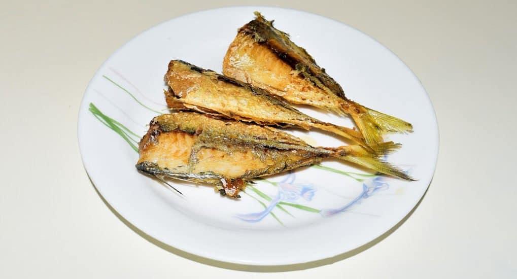 Можно ли есть рыбу на Благовещение, если на следующий день причащаться?