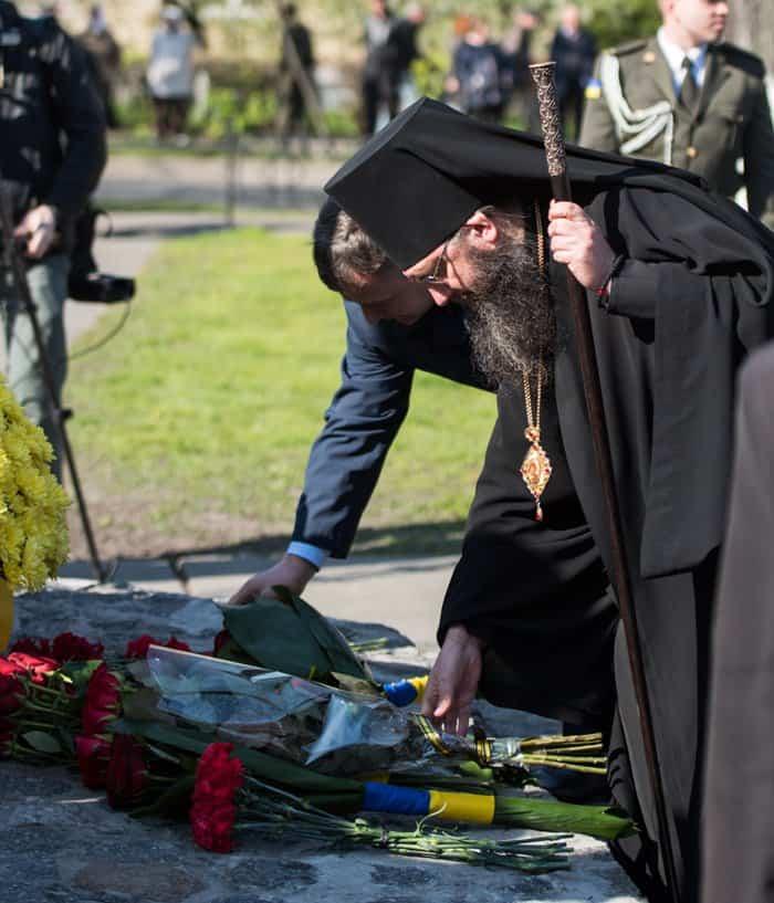 В Украине почтили память героев Чернобыля