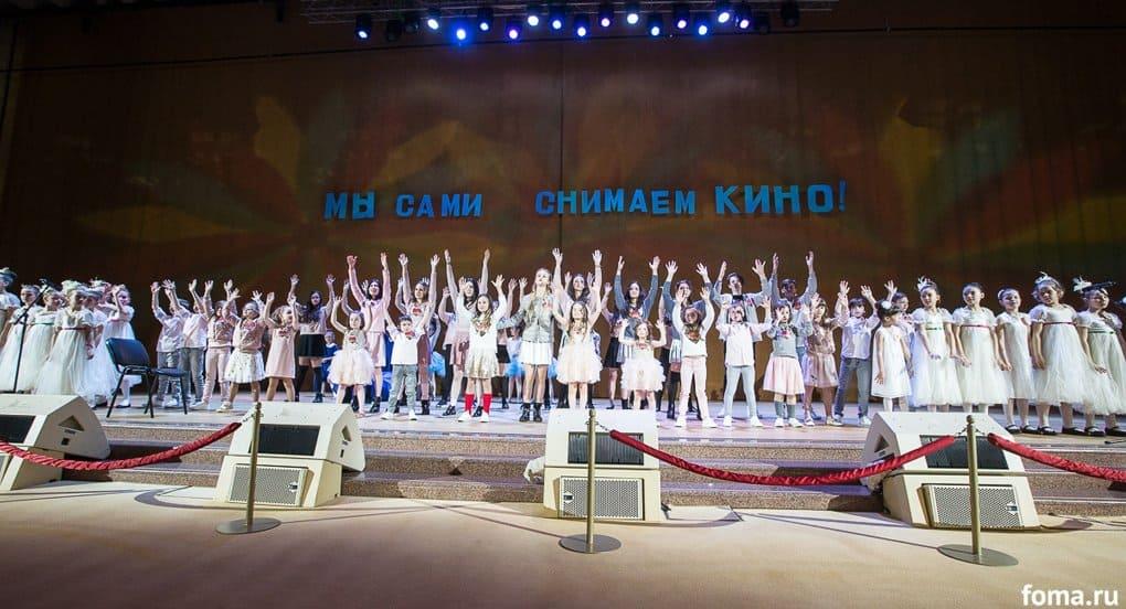 В храме Христа Спасителя наградили детей, снимающих кино