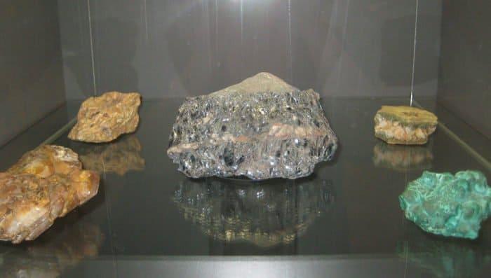 Материалы и руды из подарка Александра I Фридриху-Вильгельму III_Shakko_вики