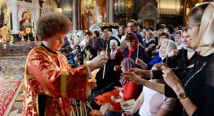 Более 4,3 млн. россиян приняли участие в пасхальных службах
