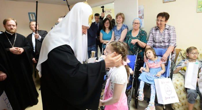 Главная задача, поставленная Патриархом перед Церковью, - быть обращенной к людям, - митрополит Иларион