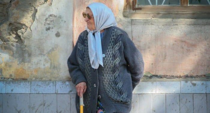 Что делать, если пожилые родители неадекватны? Как общаться?