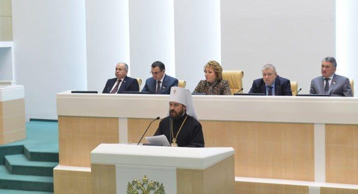Главный урок 1917 года - нельзя строить жизнь без Бога, - митрополит Иларион
