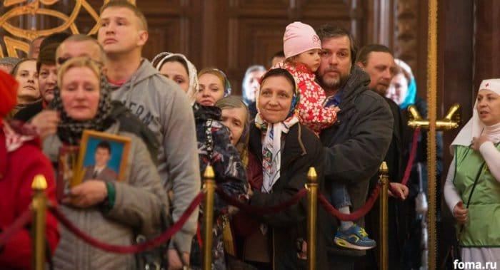 Более 1,5 миллиона верующих поклонились мощам Николая Чудотворца в Москве