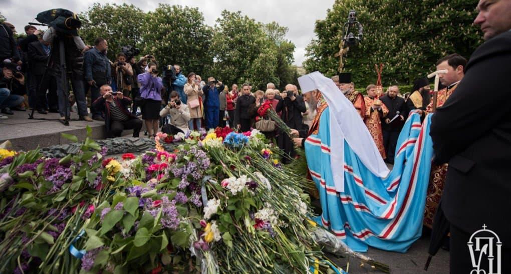 Память павших в Великую Отечественную почтили в Украине, Беларуси и Казахстане
