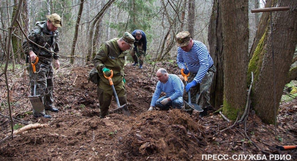 Останки более 100 советских солдат нашли поисковики под Ржевом