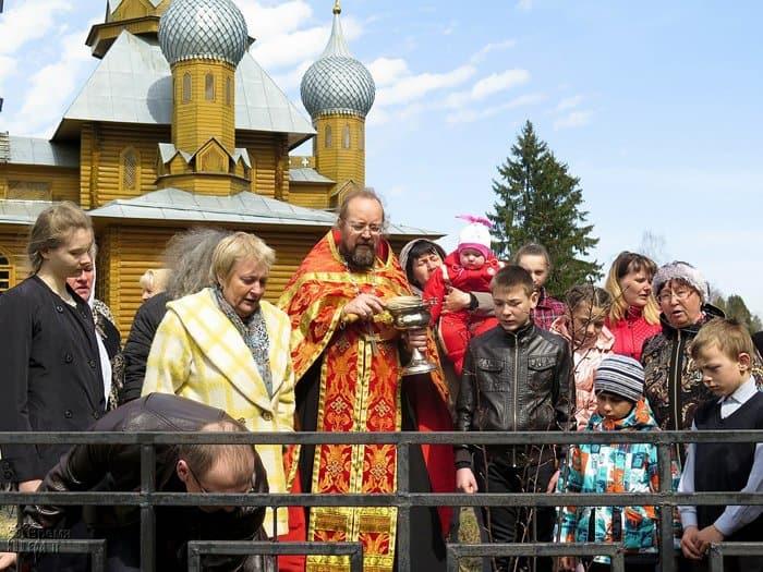 На родине святого Николая Японского посадили аллею сакур
