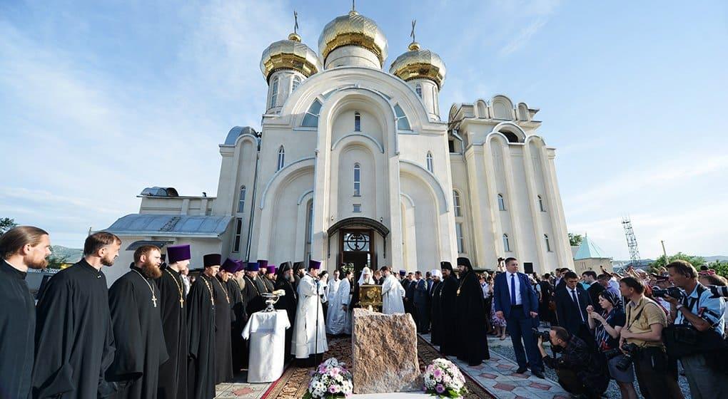 Патриарх заложил в Бишкеке новое здание для православной школы