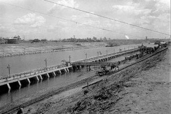 Строительство Рыбинской плотины