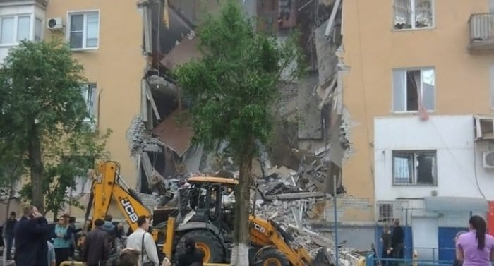 Жертвами взрыва газа в Волгограде предварительно стали три человека