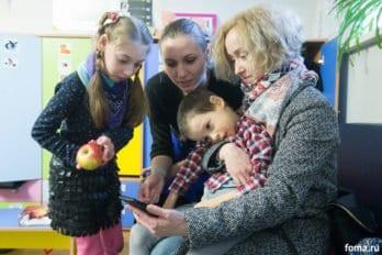 Елизаветинский сад» - совместный проект с Марфо-Мариинской обителью - является одним из немногих в Москве учреждений, где оказывают помощь детям с тяжелой формой ДЦП. Фото Юлии Маковейчук