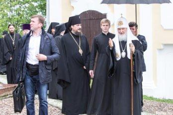 2017-06-09,A23K0576, Нило-Столбенская, Патриарх, Литургия, 350-летие, s_f