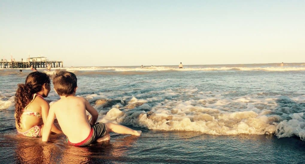 Может ли мама отдохнуть с детьми на море?