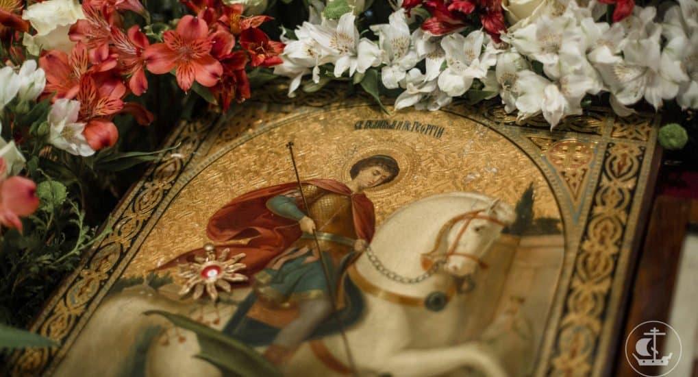 Почему св. Георгия Победоносца  часто изображают ввиде всадника-змееборца?