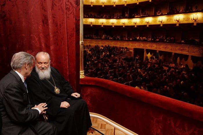 Патриарх посмотрел в Малом театре спектакль «Таланты и поклонники»