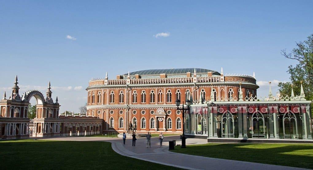 Ко Дню семьи в музее «Царицыно» откроется масштабная выставка икон и картин