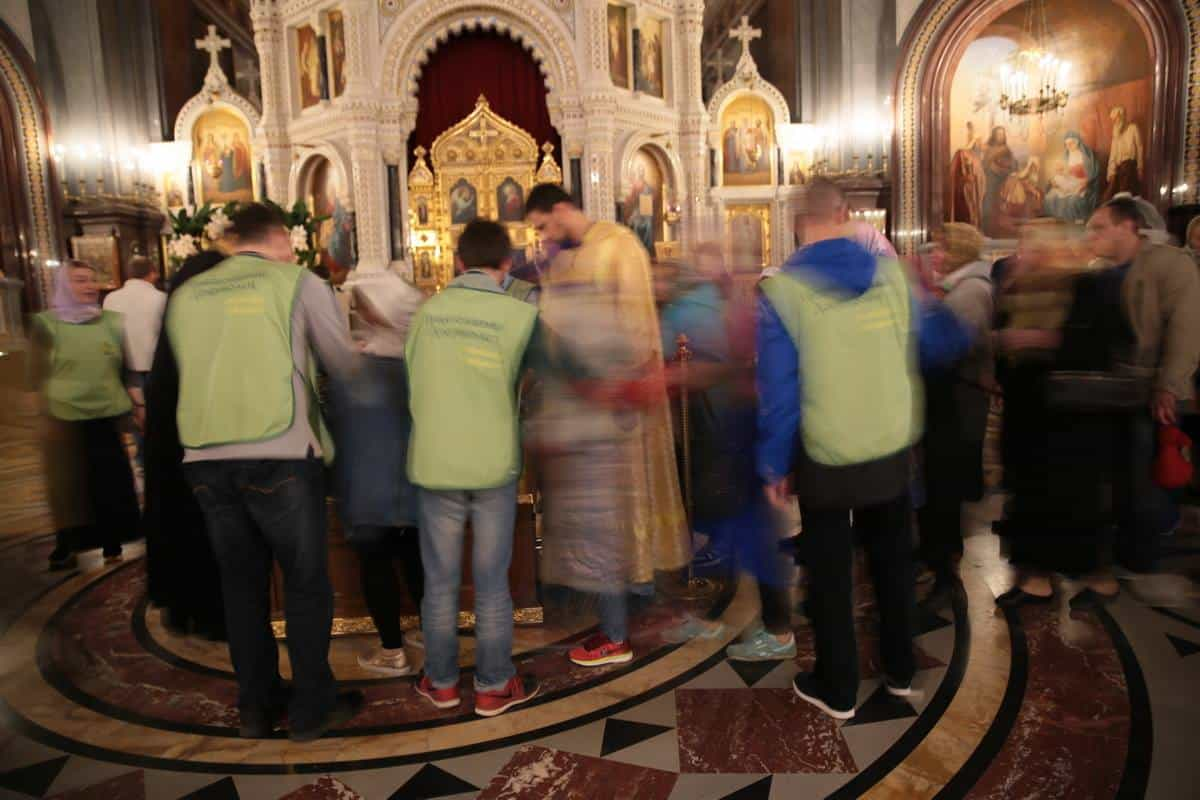 «У мощей святителя Николая я видела настоящие чудеса» — рассказ волонтера