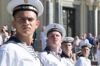 2017-07-27,A23K4585 Питер, Кронштадт, Принесение мощейУшакова, s_f