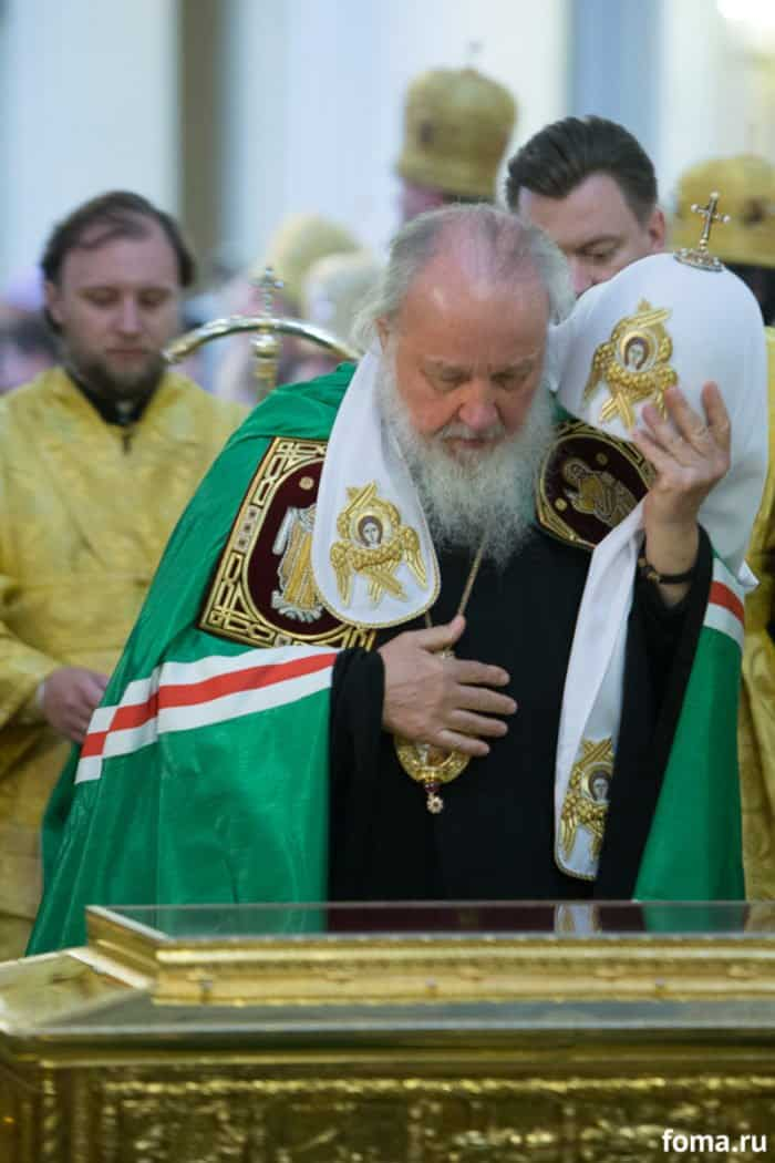 Мощи Николая Чудотворца покинули Россию
