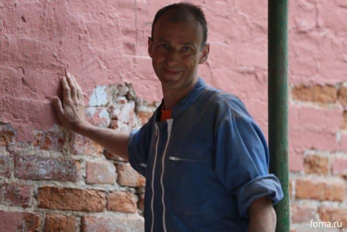 Что делают французы на стенах Донского монастыря?