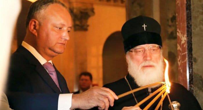 Президент Молдавии назвал православие основой государственности страны