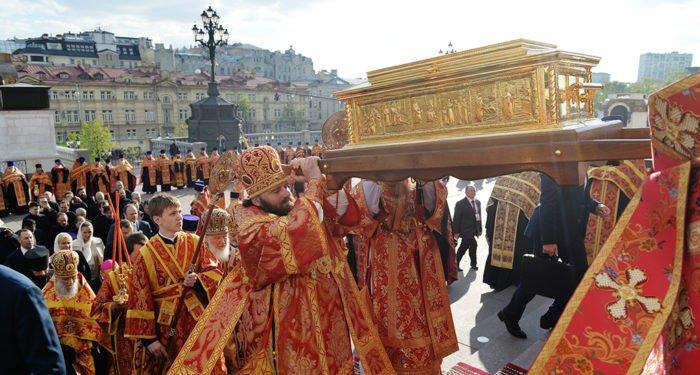Принесение мощей Николая Чудотворца в год 100-летия революции символично, - Патриарх