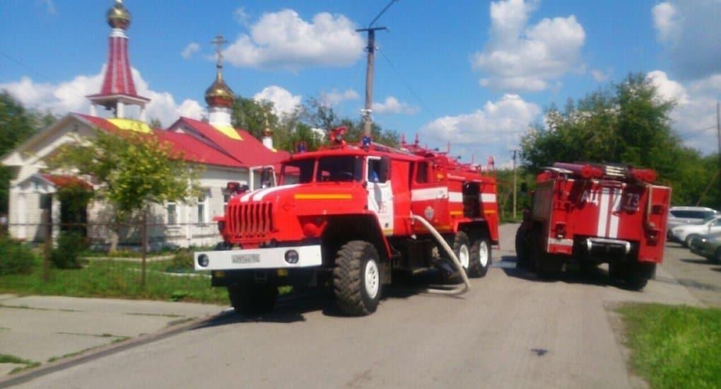 Пожарные спасли от огня вековую церковь под Новосибирском