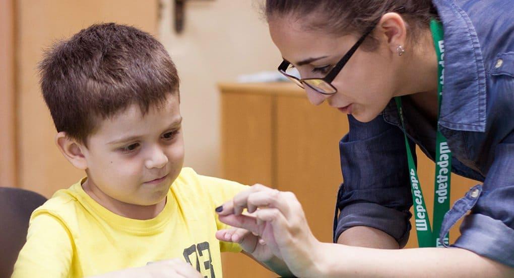 Фонд «Шередарь» идет в больницу, чтобы вернуть детям детство