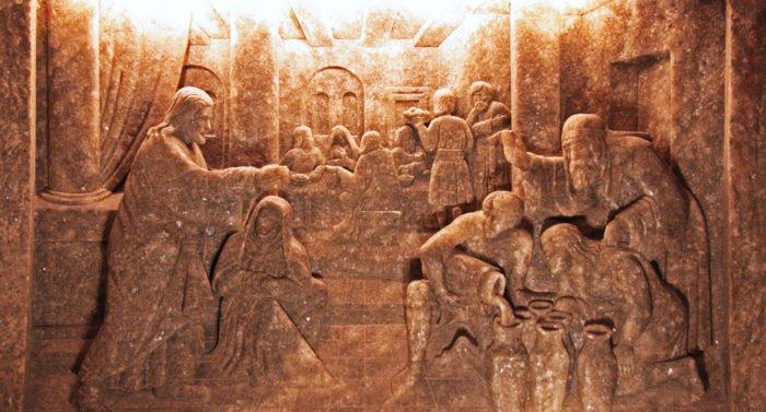 Найдены сосуды, похожие на упоминаемые в евангельской истории о претворении воды в вино