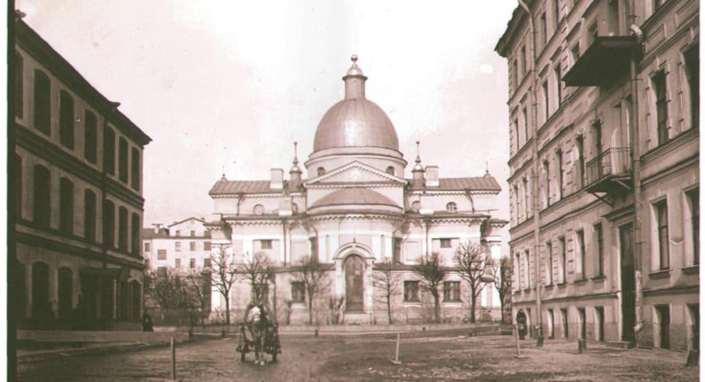 «Храм строителей» начали восстанавливать в Петербурге