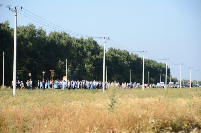 11 километров с чудотворной Карандеевской иконой